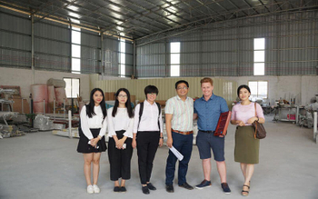 Customer From Australia Visiting DIYOU's Factory In Foshan